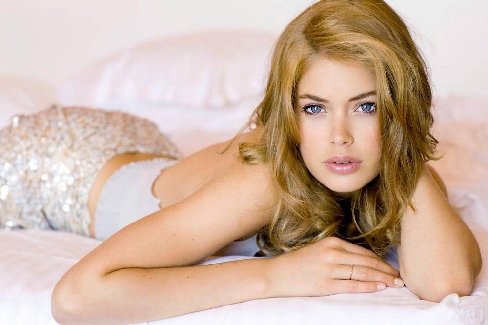 Wallpaper Cinema Video Doutzen Kroes
