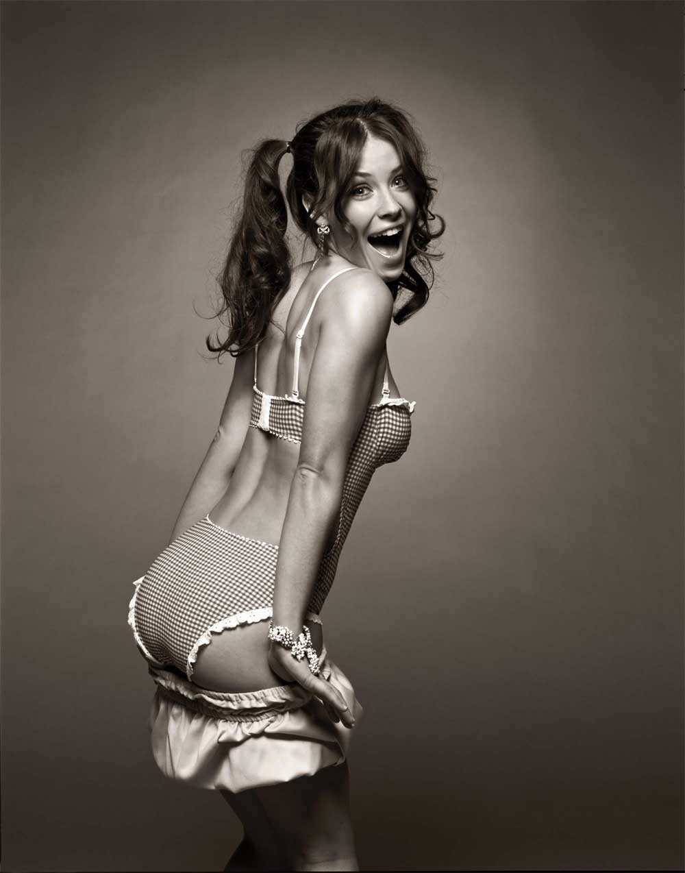 Wallpaper Cinema Video Evangeline Lilly jeune sexy