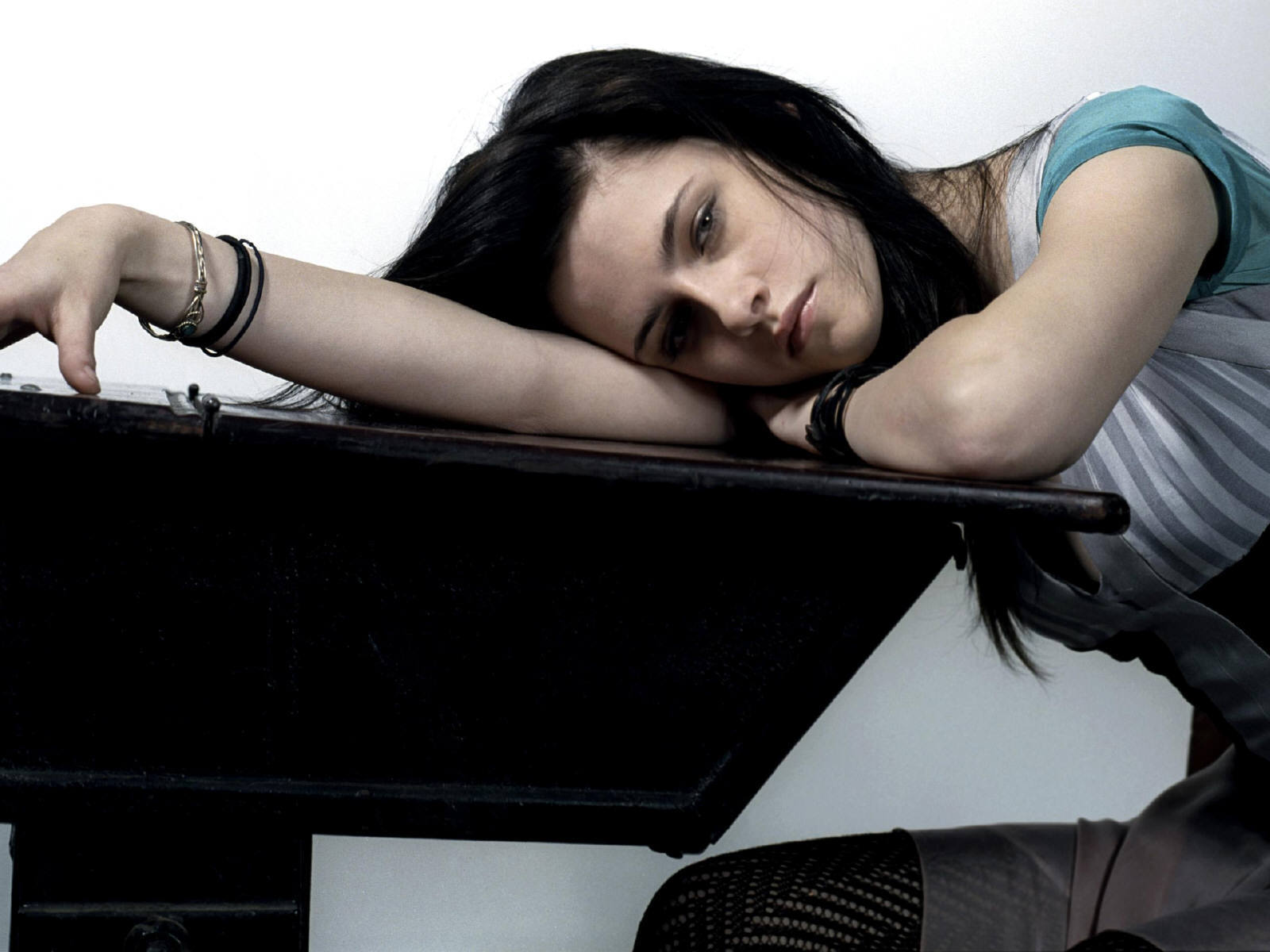 Wallpaper Kristen Stewart brune sombre et torturee Cinema Video