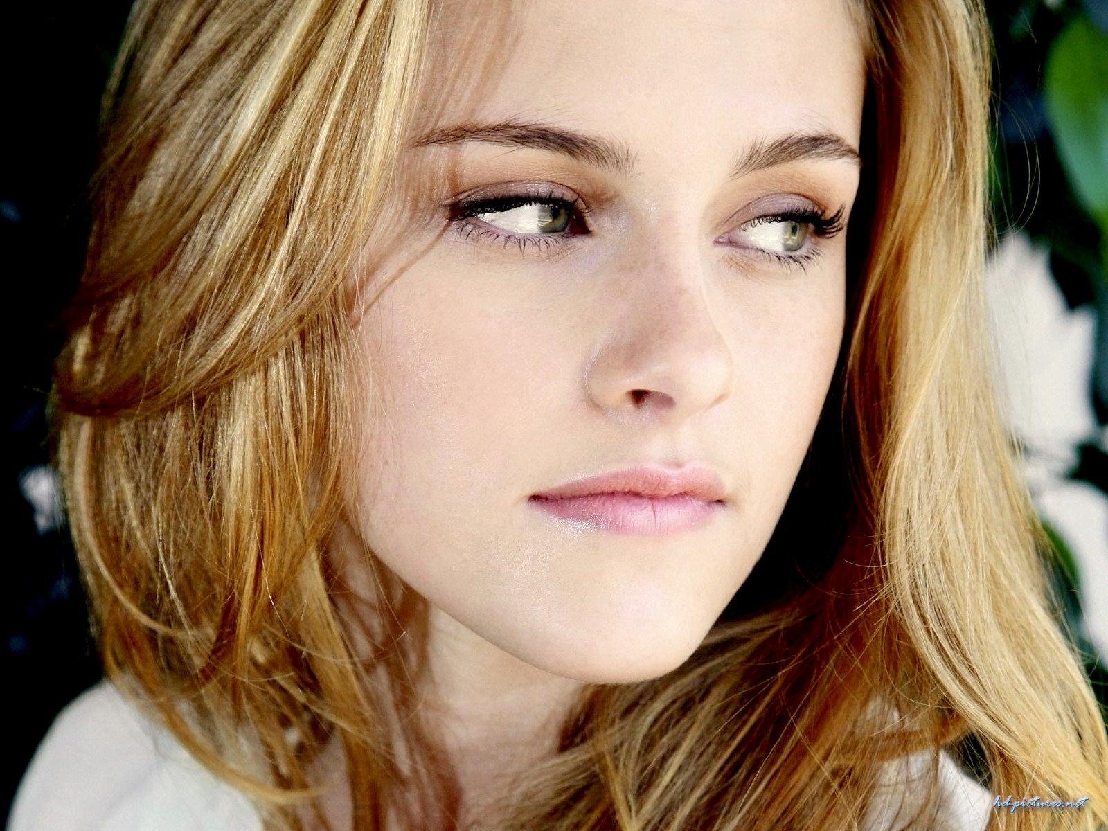 Wallpaper Kristen Stewart portrait regard de braise Cinema Video