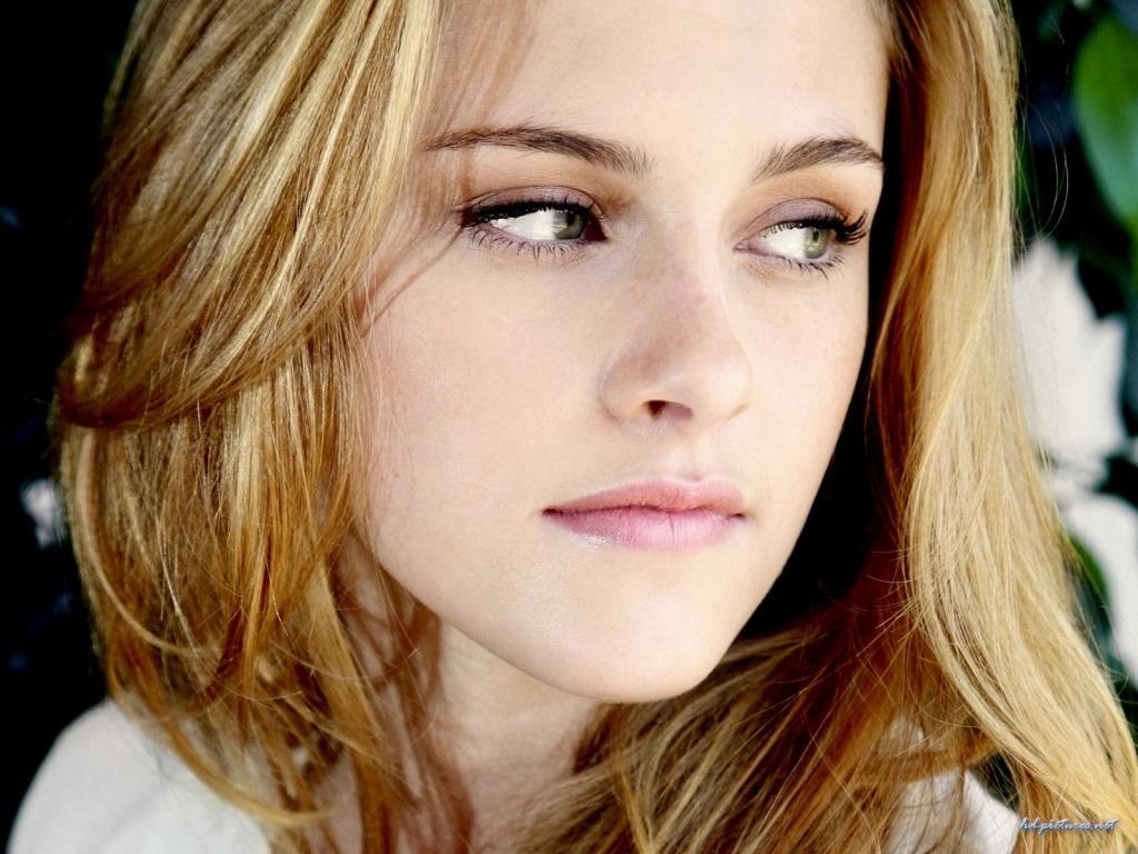 Wallpaper Cinema Video Kristen Stewart portrait regard de braise