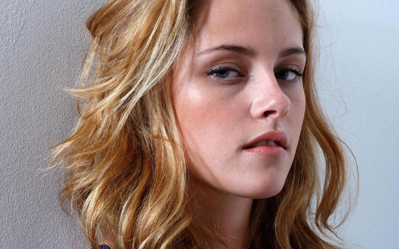 Wallpaper Cinema Video Kristen Stewart portrait regard intense