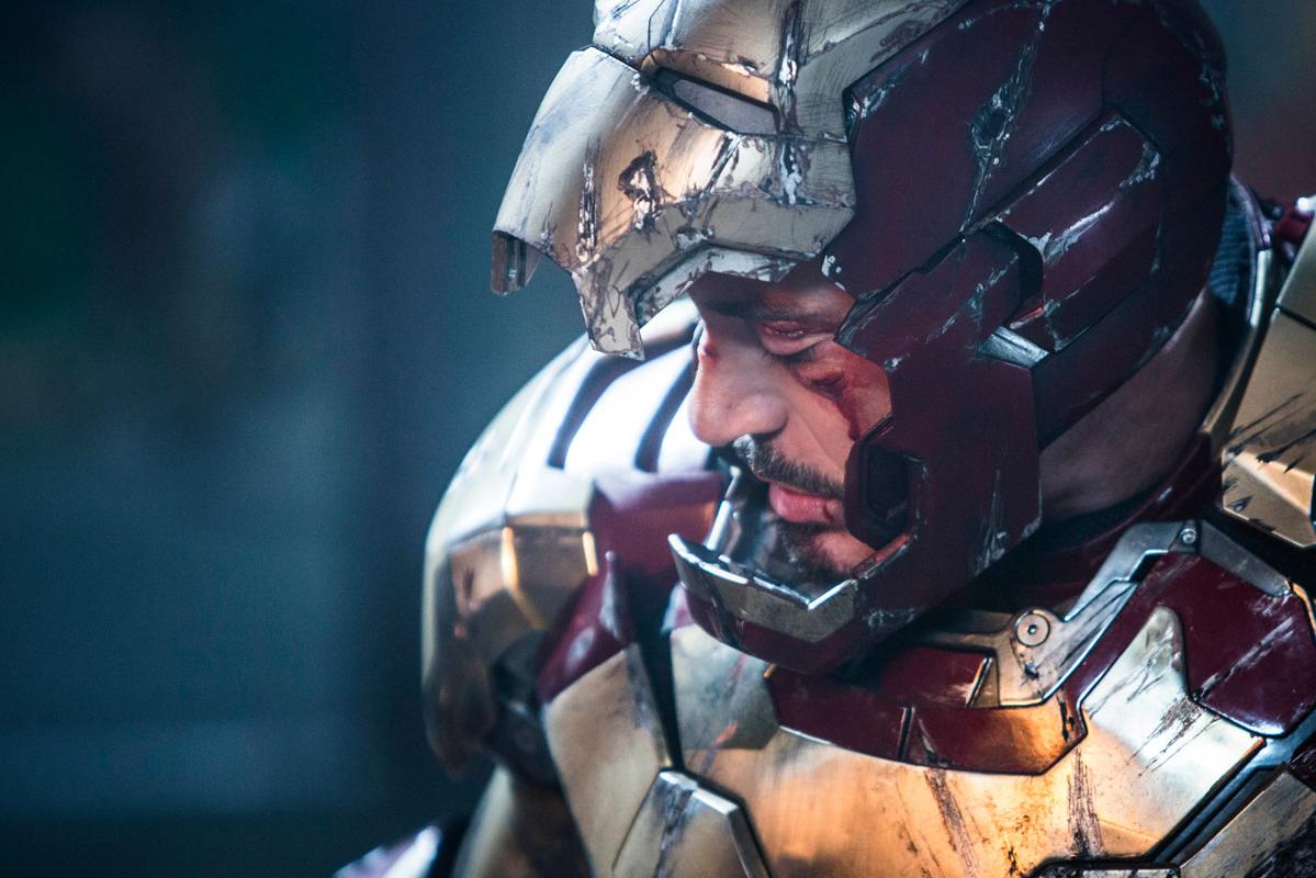Wallpaper portrait Iron Man 3 blesse Iron Man