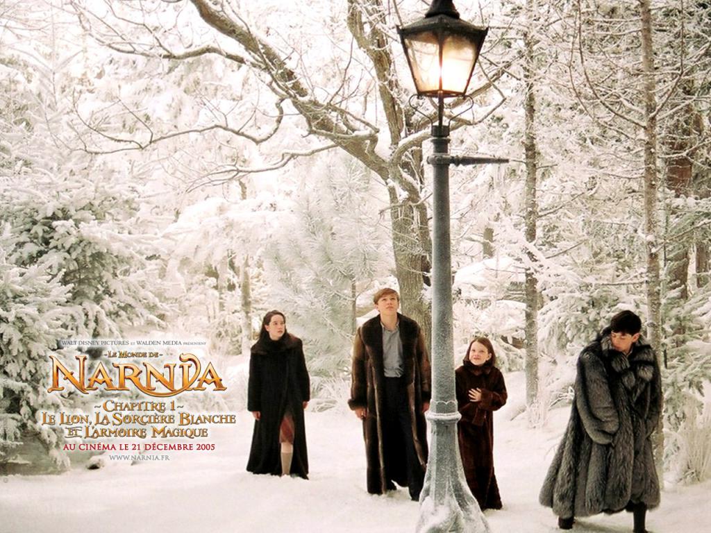 Wallpaper Le Monde de Narnia Decouverte armoire neige