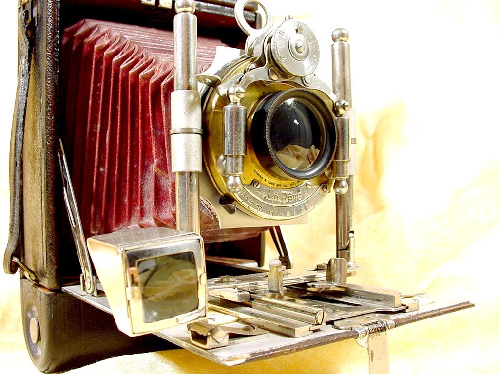 Wallpaper 0373-12 GIRARD le reve ideal, collection AMI Appareils photos
