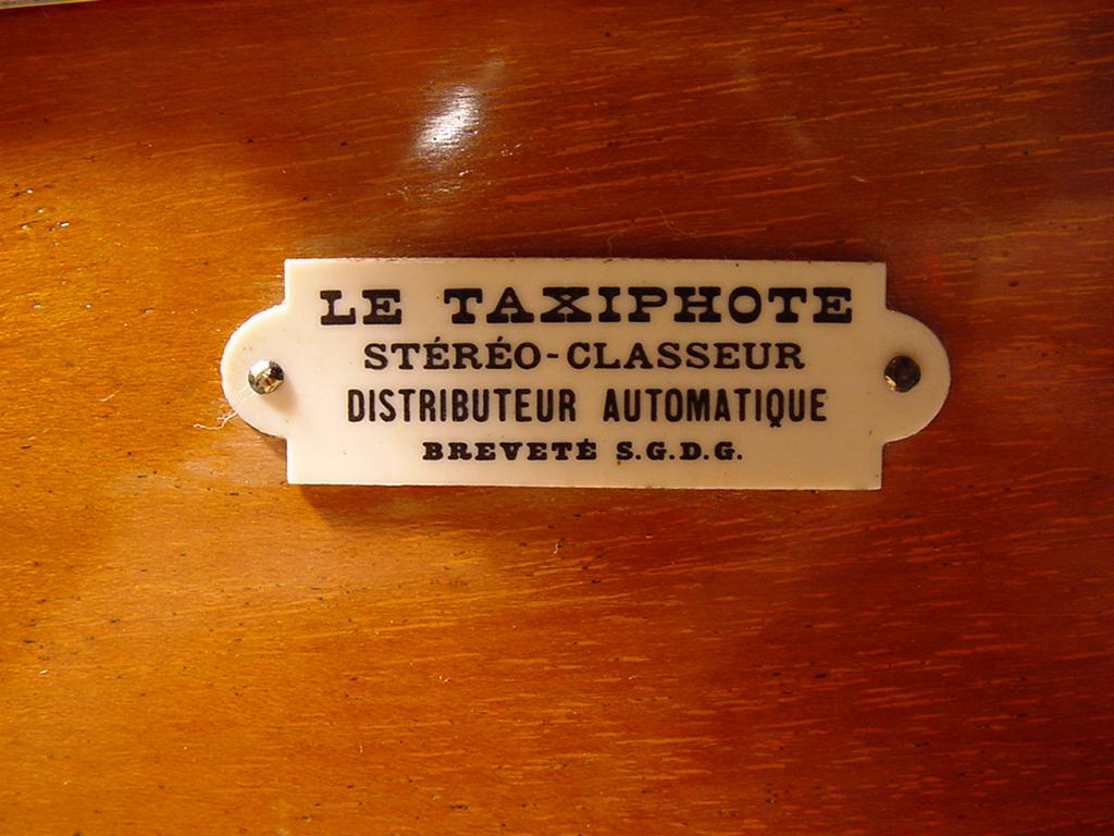 Wallpaper 0586-12 RICHARD.J le taxiphot plaquette collection AMI Appareils photos