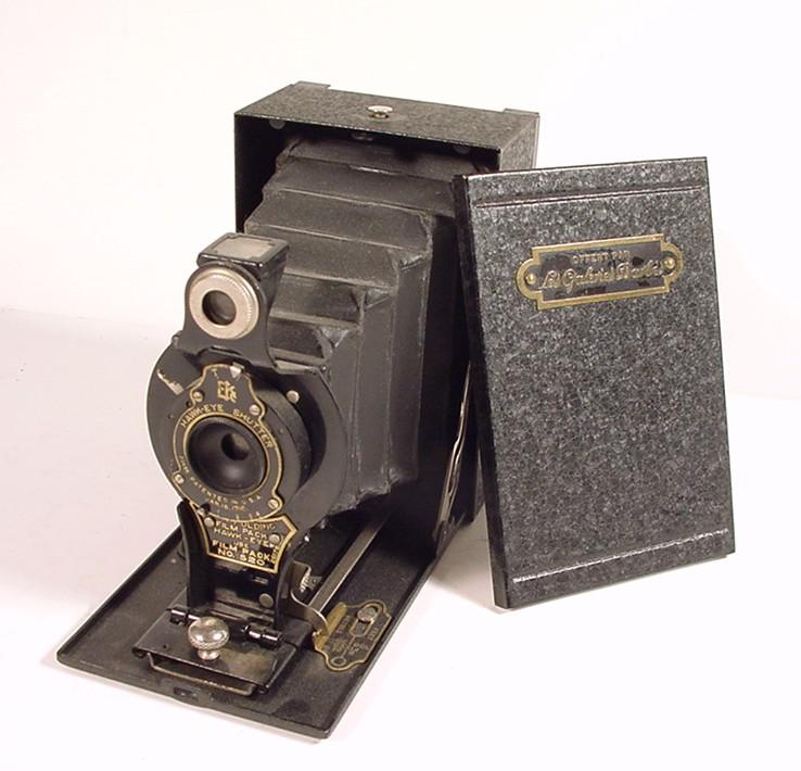 Wallpaper 1169-1 KODAK Hawk-Eye n2 folding film pack, Galeries Barbes, collection AMI Appareils photos