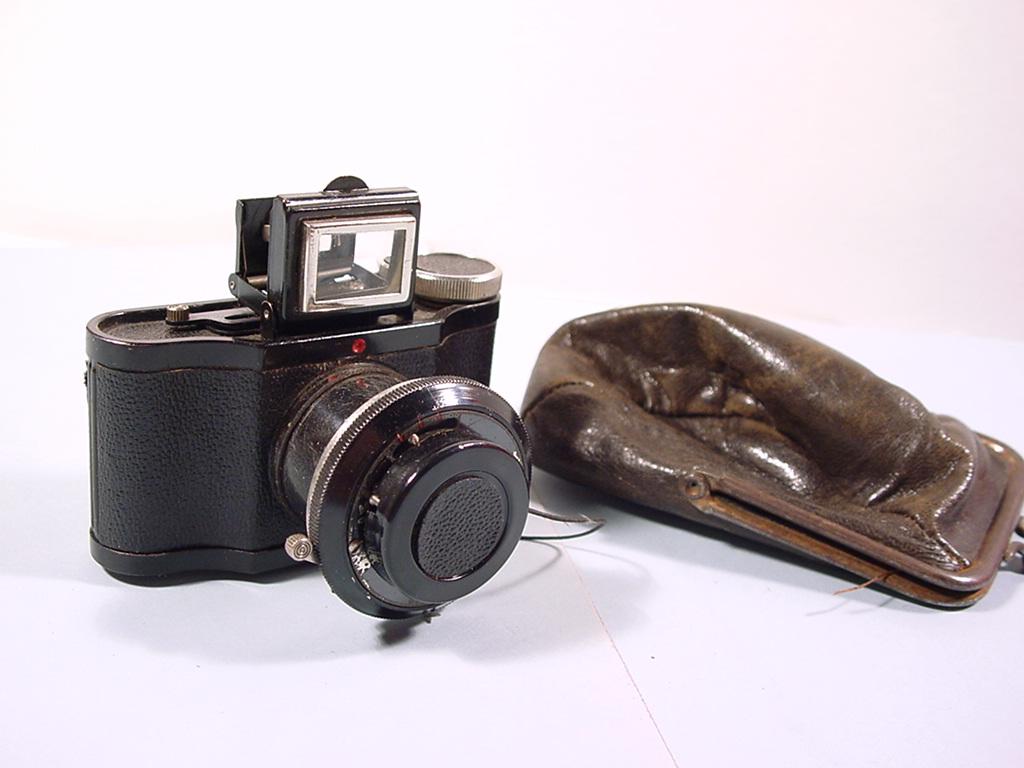 Wallpaper 2173-1  LUMIERE  Eljy premier modele noir, collection AMI Appareils photos