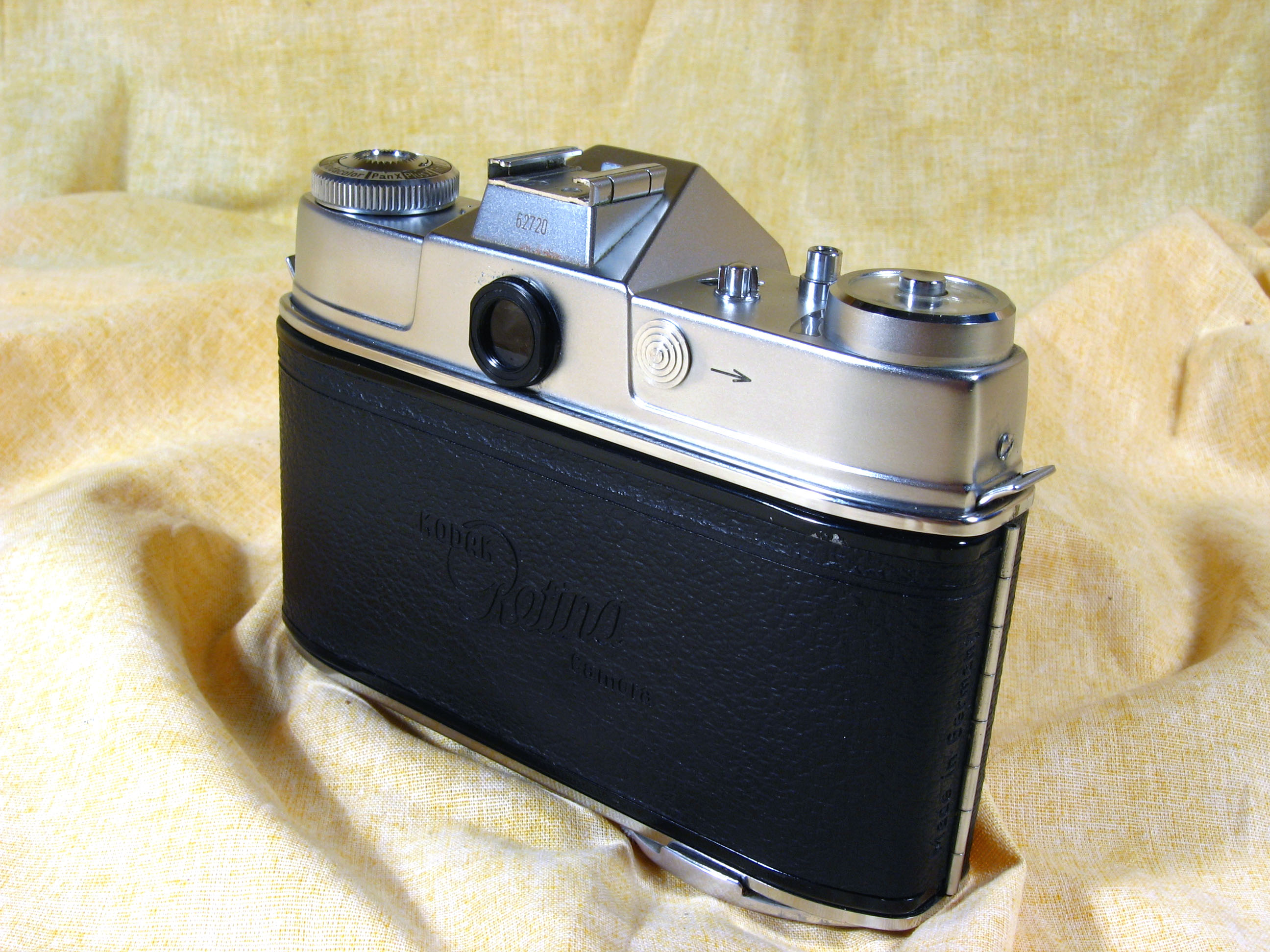 Wallpaper 2978-3  KODAK  Retina reflex S type 034, collection AMI Appareils photos