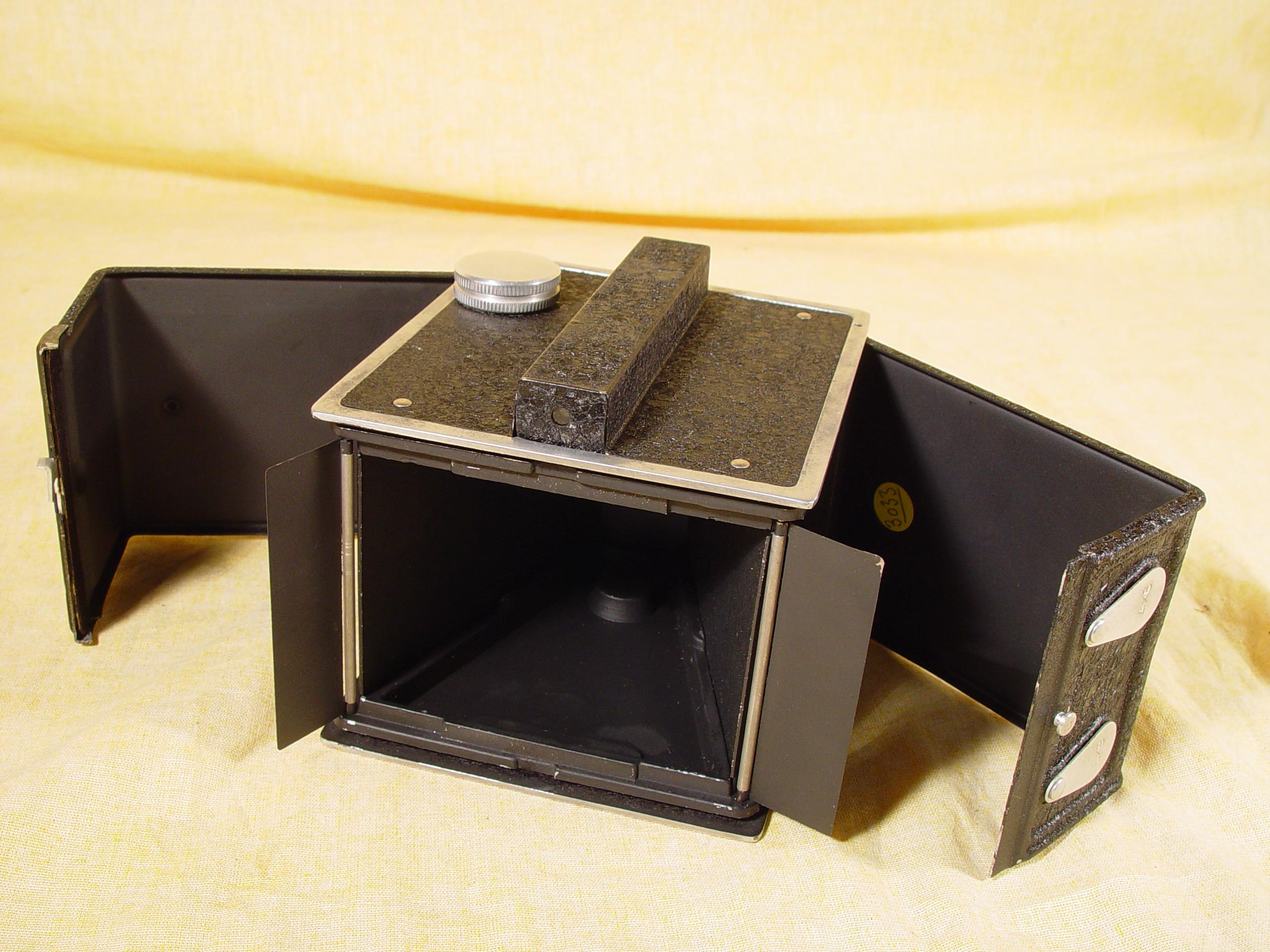 Wallpaper 3033-4 MIDELLY Demilly box modele de base, collection AMI Appareils photos