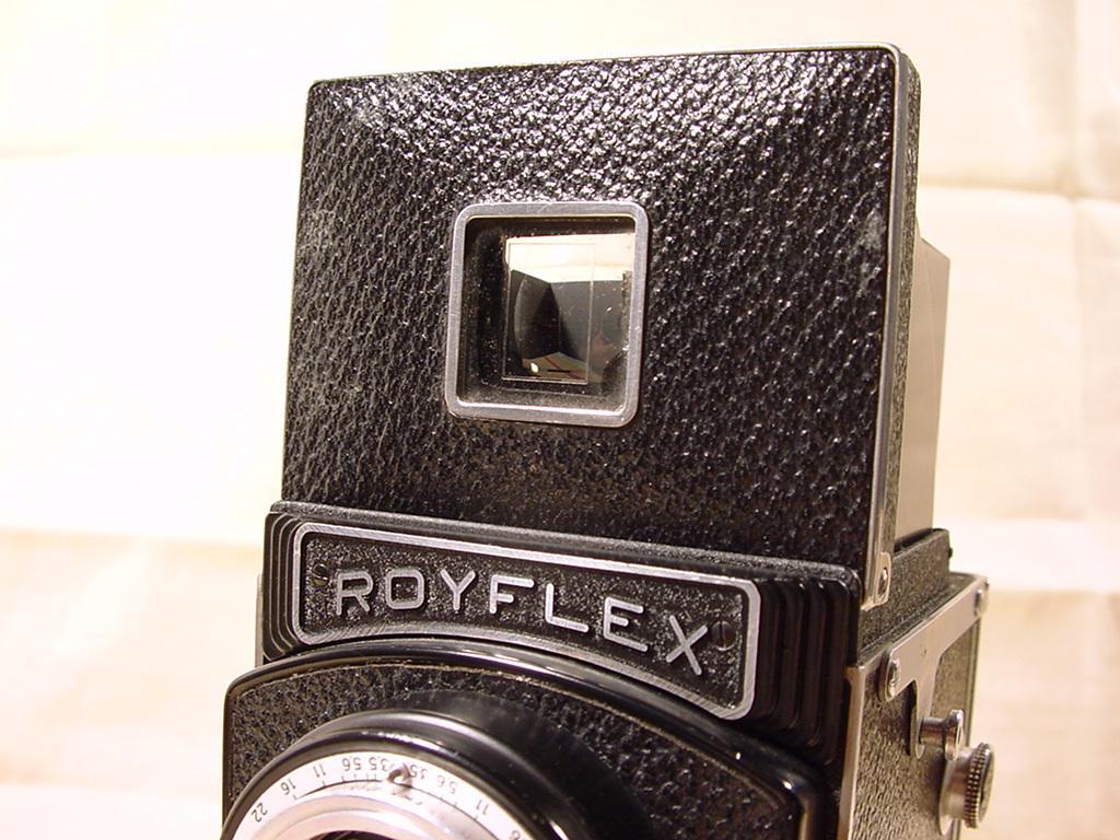 Wallpaper 0467-7  SITO de ROYER  Royflex II a bouton, collection AMI Appareils photos