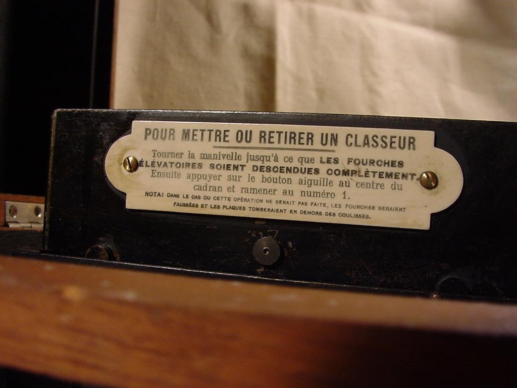 Wallpaper Appareils photos 0586-4 RICHARD.J Le Taxiphot classeur de plaques collection AMI
