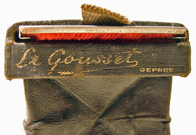 Wallpaper Appareils photos 1768-4  J.V  Paris Le Gousset, collection AMI