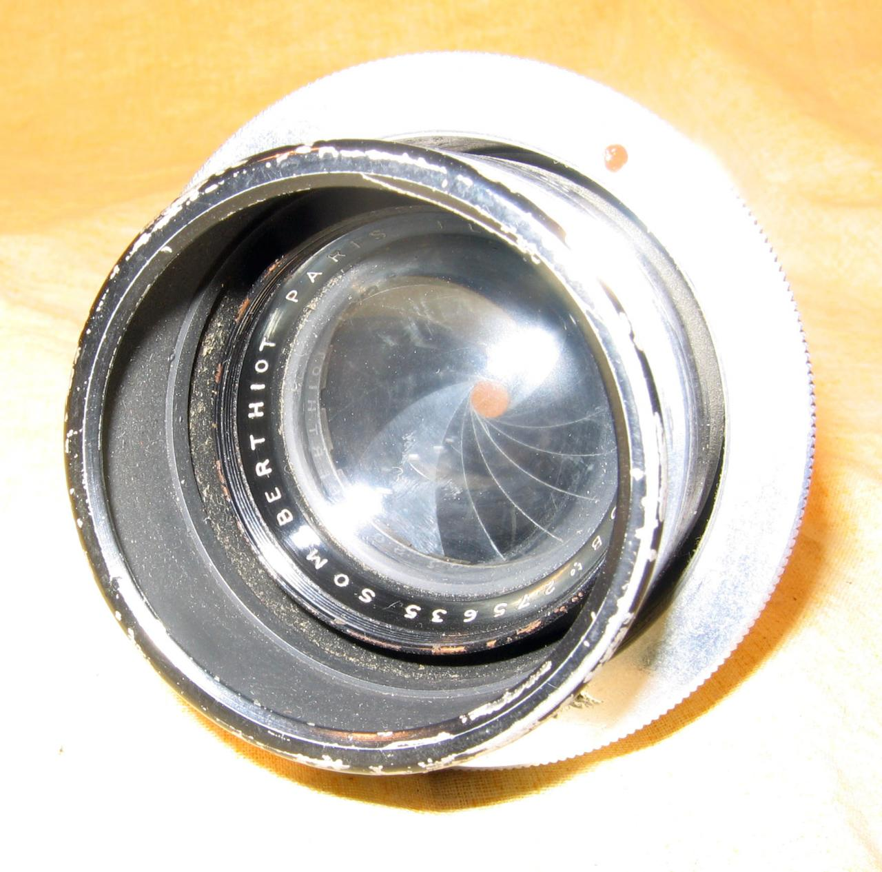 Wallpaper 2155-1  BERTHIOT Objectif 3,5-135 pour lubo Appareils photos