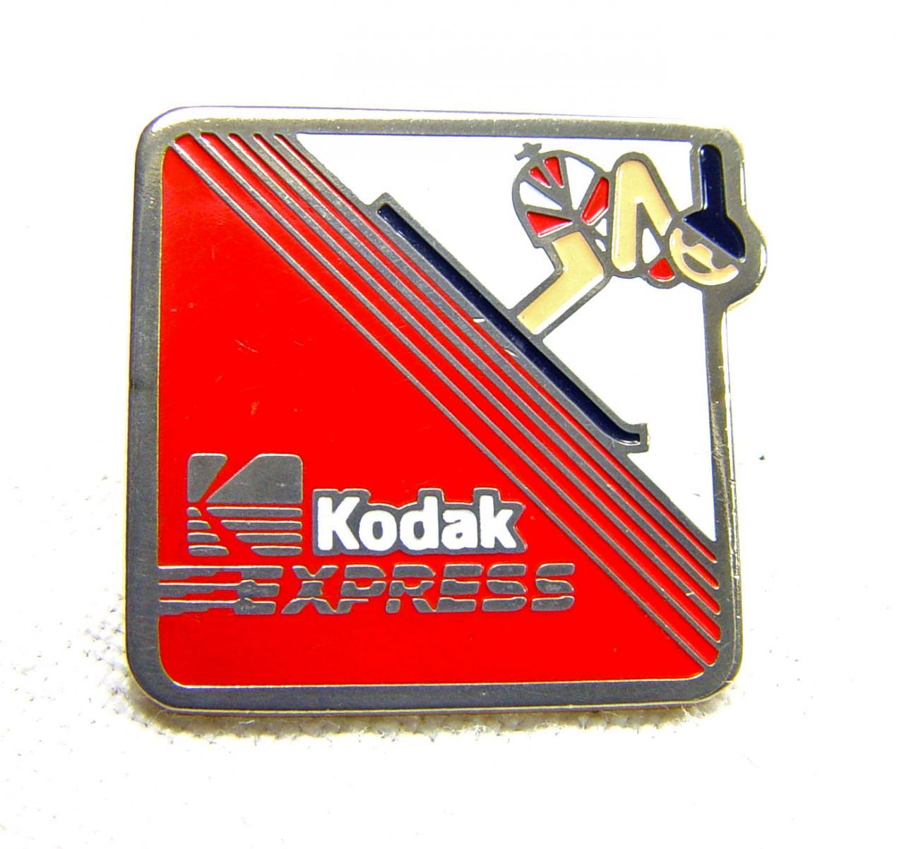 Wallpaper 2491-2  KODAK  Pins  Descente a ski, collection AMI Appareils photos