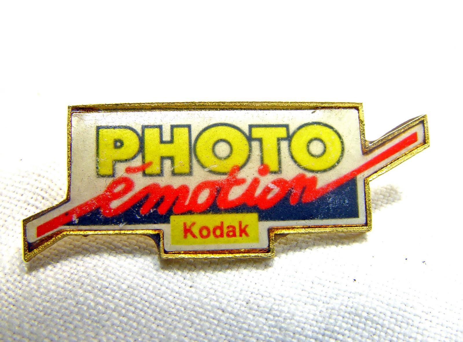 Wallpaper 2496-2  KODAK  Pins  Photo emotion, collection AMI Appareils photos