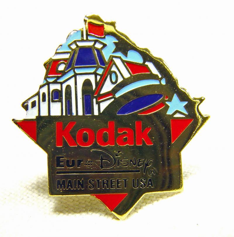 Wallpaper 2520-2  KODAK  Pins  Main stree USA, collection AMI Appareils photos