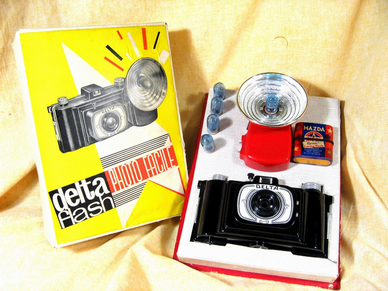 Wallpaper 2983-12  FEX  Delta en coffret, collection AMI Appareils photos