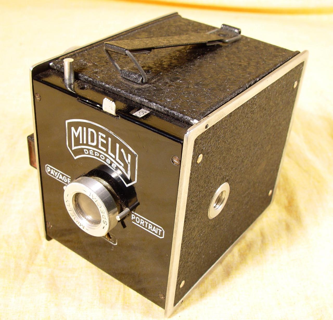 Wallpaper 3033-1 MIDELLY Demilly box modele de base, collection AMI Appareils photos