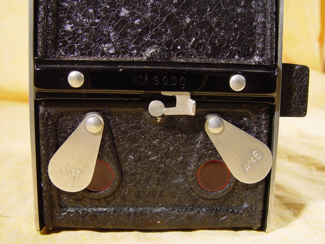 Wallpaper 3033-6 MIDELLY Demilly box modele de base, collection AMI Appareils photos