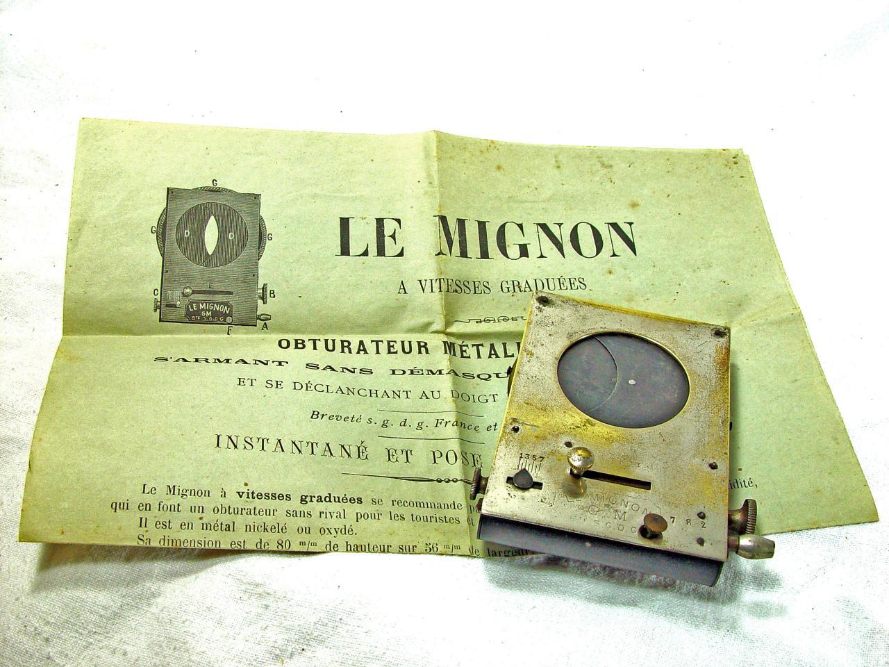 Wallpaper 3290-6  LE MIGNON  Obturateur mono, collection AMI Appareils photos