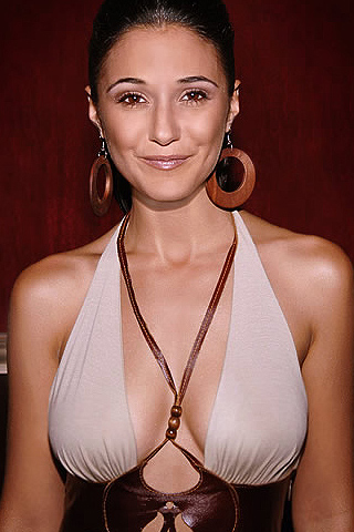 Wallpaper Emmanuelle Chriqui iPhone