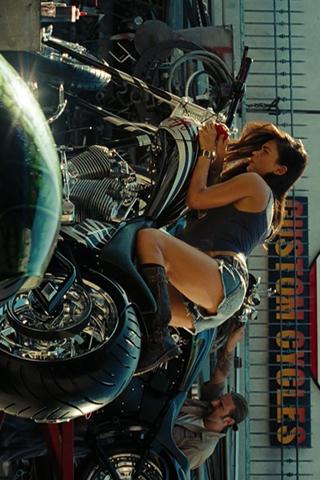 Wallpaper Megan Fox moto Transformers iPhone