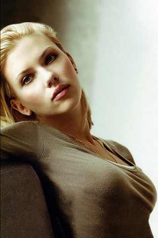 Wallpaper iPhone Scarlett Johansson portrait
