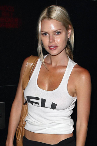 Wallpaper Sophie Monk iPhone