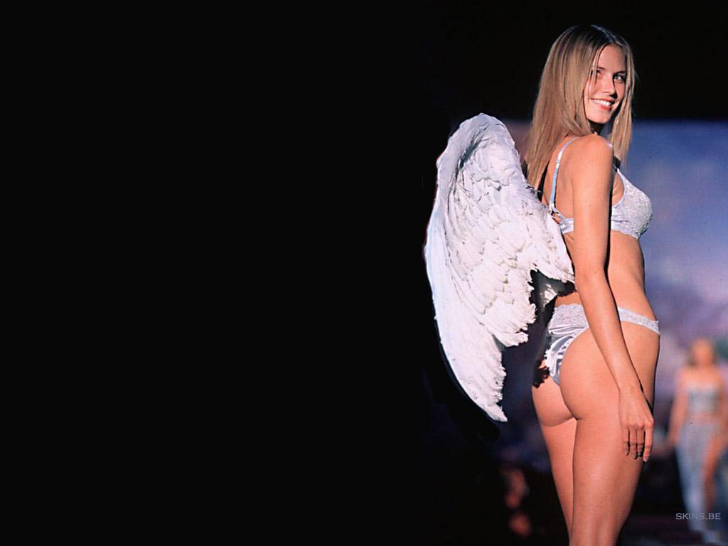 Wallpaper lingerie ailes d ange Heidi Klum
