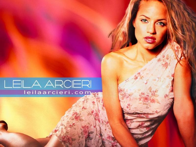 Wallpaper Leila Arcieri petite tenue