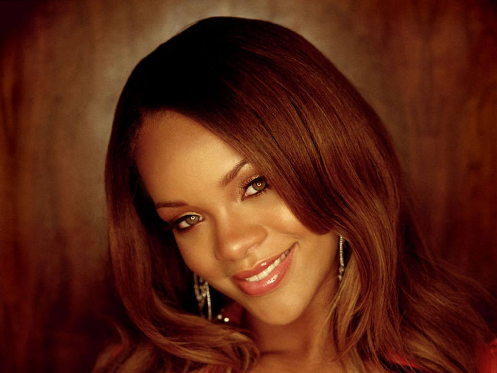 Wallpaper portrait cheveux long Rihanna