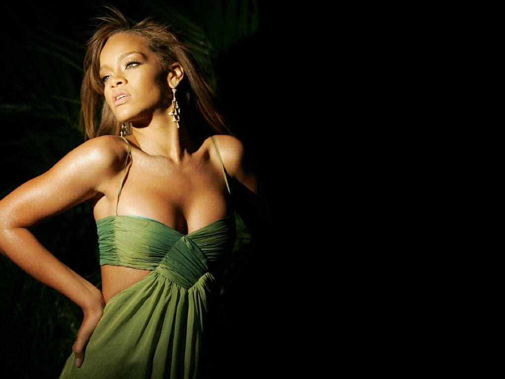 Wallpaper Rihanna robe verte