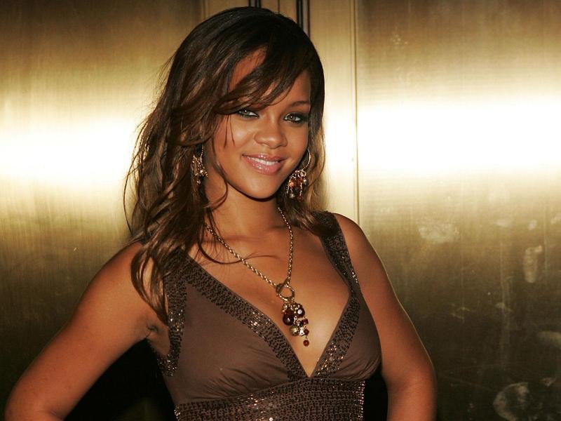 Wallpaper Rihanna cheveux longs