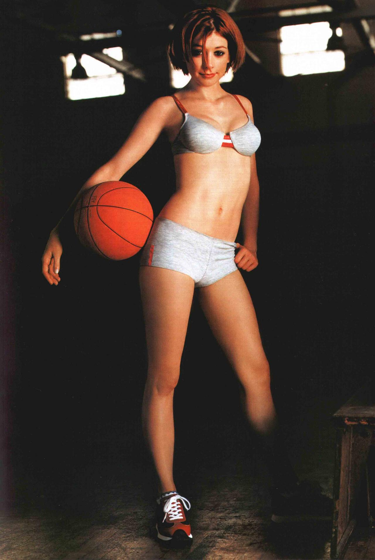 Wallpaper Alyson Hannigan basket ball