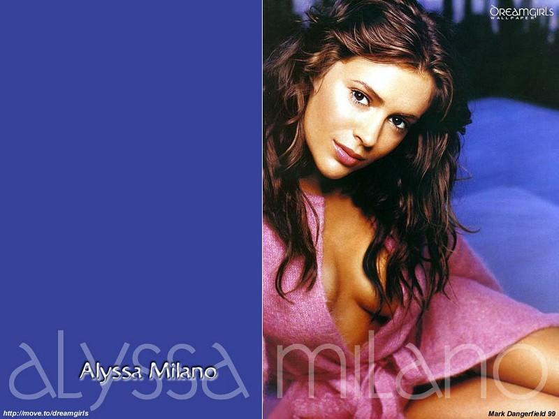 Wallpaper Alyssa Milano robe de chambre
