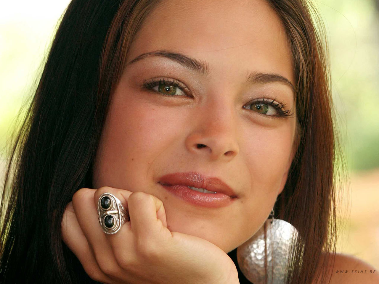 Wallpaper portrait Kristin Kreuk