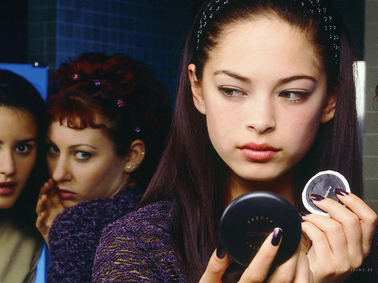 Wallpaper Kristin Kreuk Lana maquillage