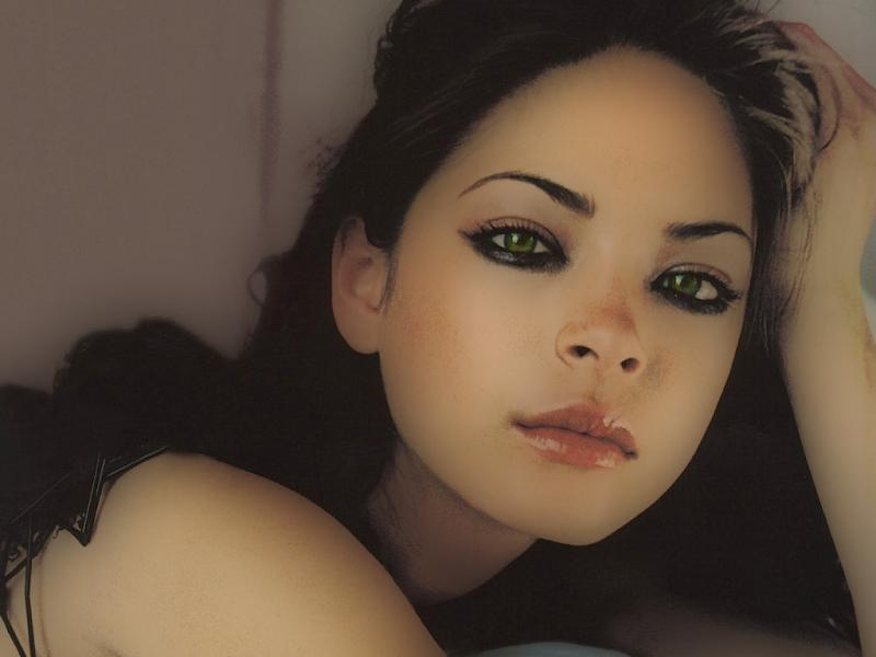 Wallpaper portrait beaux yeux verts Kristin Kreuk