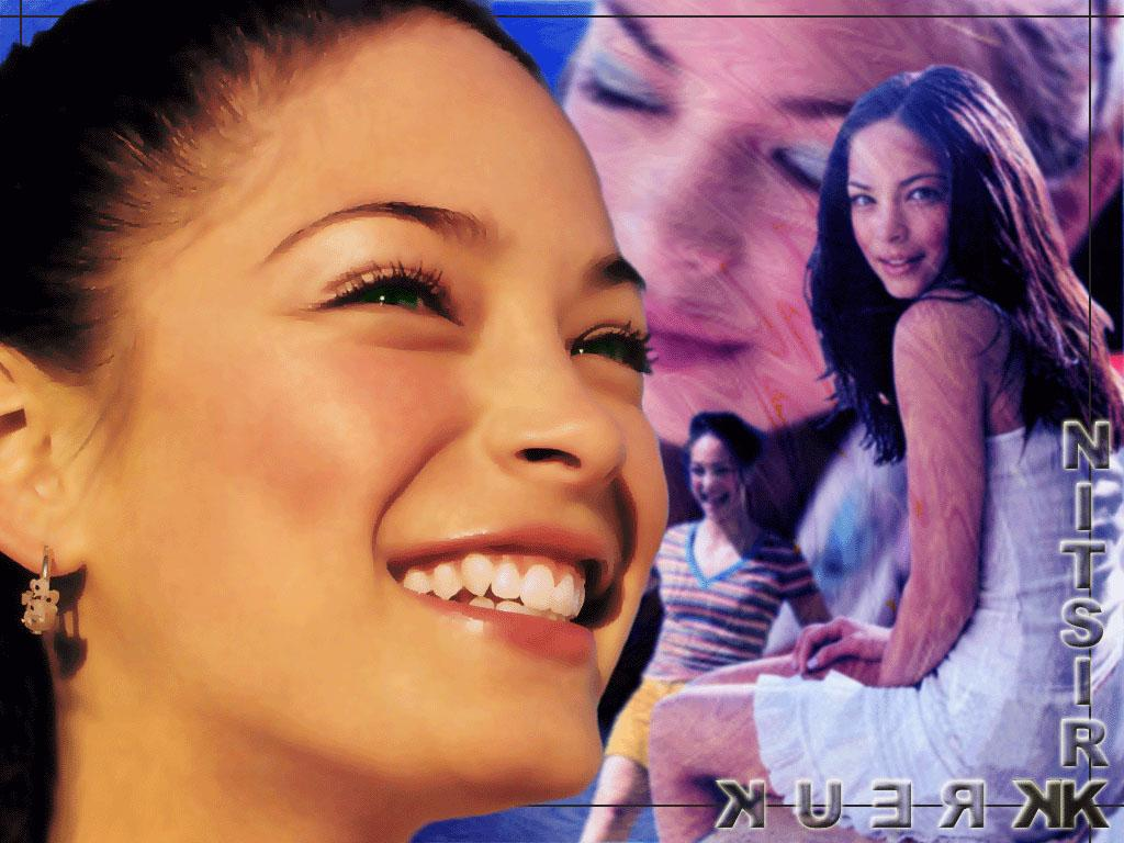 Wallpaper Kristin Kreuk sourire