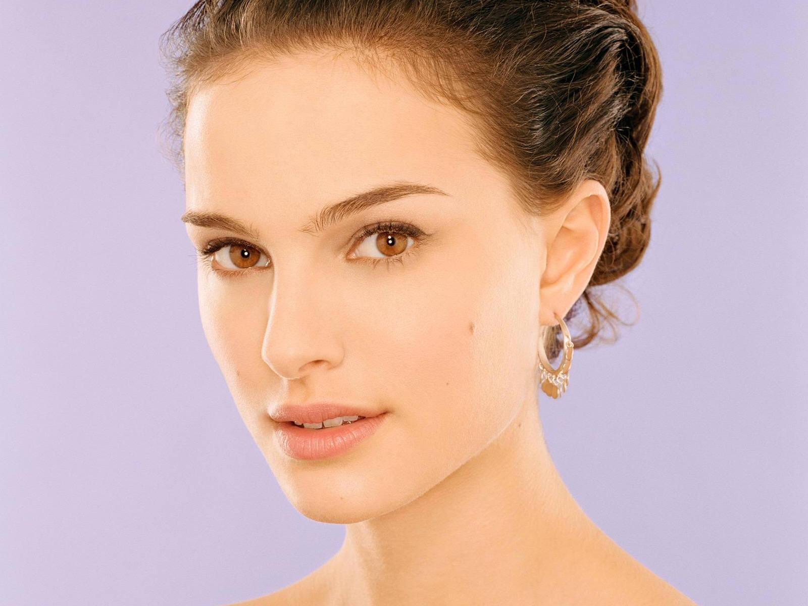 Wallpaper Natalie Portman portrait boucles d oreille