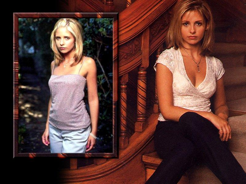 Wallpaper escalier Sarah Michelle Gellar