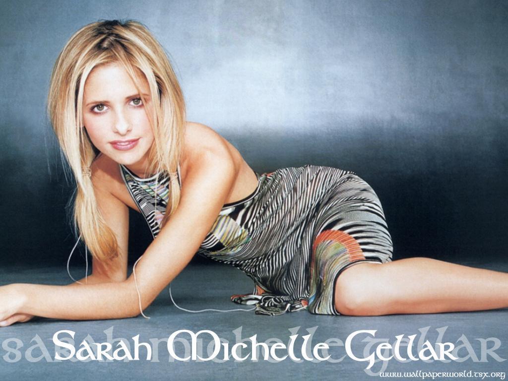 Wallpaper Sarah Michelle Gellar tenue legere